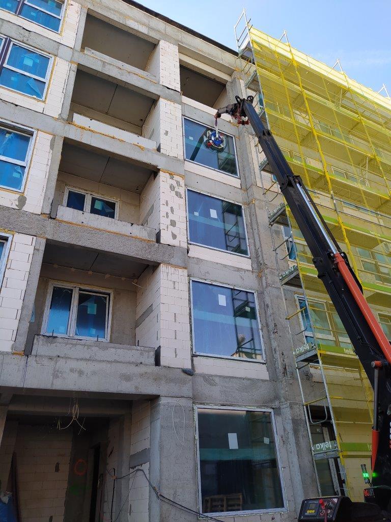 Okna Aluplast Ideal 7000, okna walnuss tera AP28, rolety naokienne