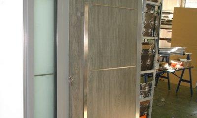 drzwi aluminiowe, drzwi aluminiowe wejściowe, drzwi z różnymi panelami, drzwi z naświetlem bocznym