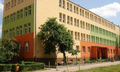 150 sztuk okien MIROX ID 4000 w gimnazjum w Łodzi