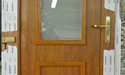 Drzwi zewnętrzne PVC złoty dąb